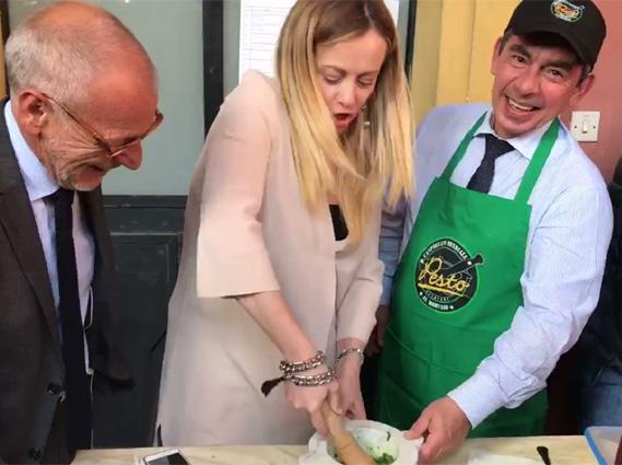 Borchi insegna il pesto alla Meloni