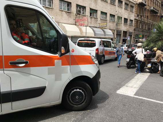 La Bucci mobile sembra un'ambulanza