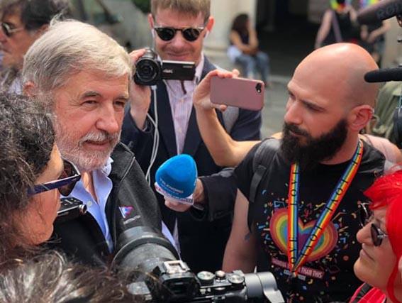 Bucci fa pace col Liguria Pride