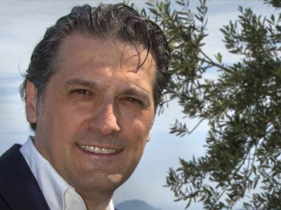 Stefano Mai: camminate tra gli olivi