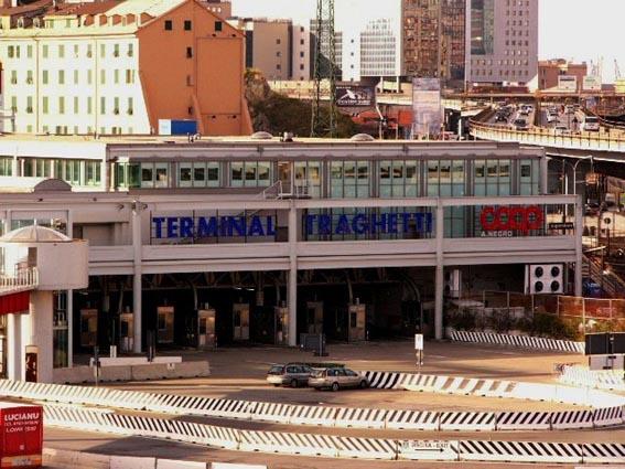 Che orrore il terminal traghetti!